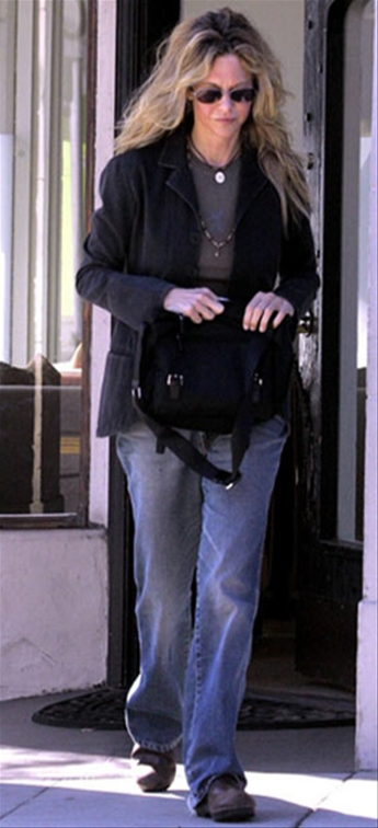 Meg Ryan sale clínica